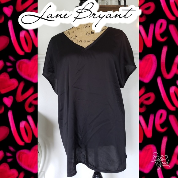 Lane Bryant Tops - 18/20 Lane Bryant top shirt blouse short sleeve